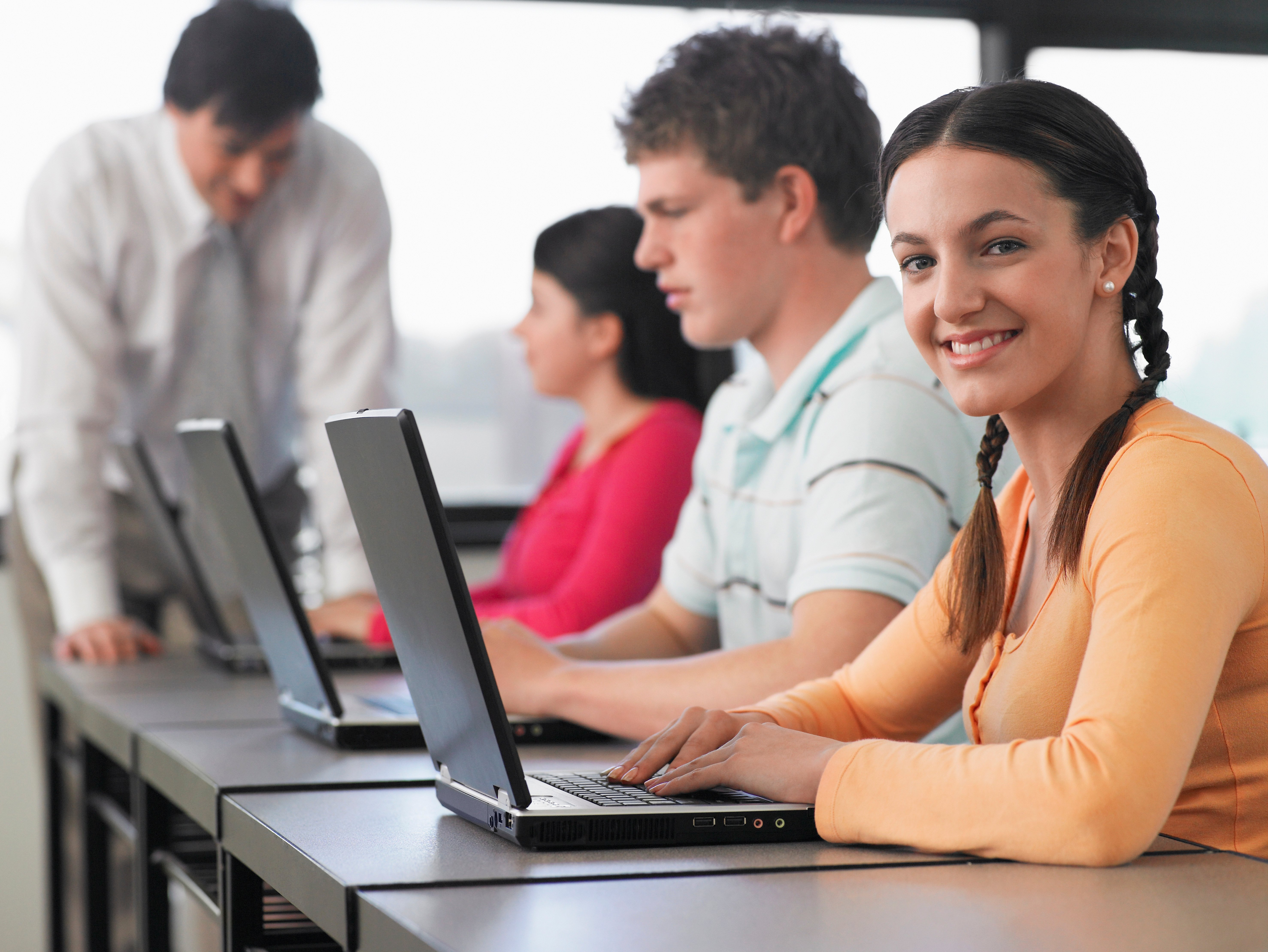Office 365 vs. Google apps for Education - which one is best?